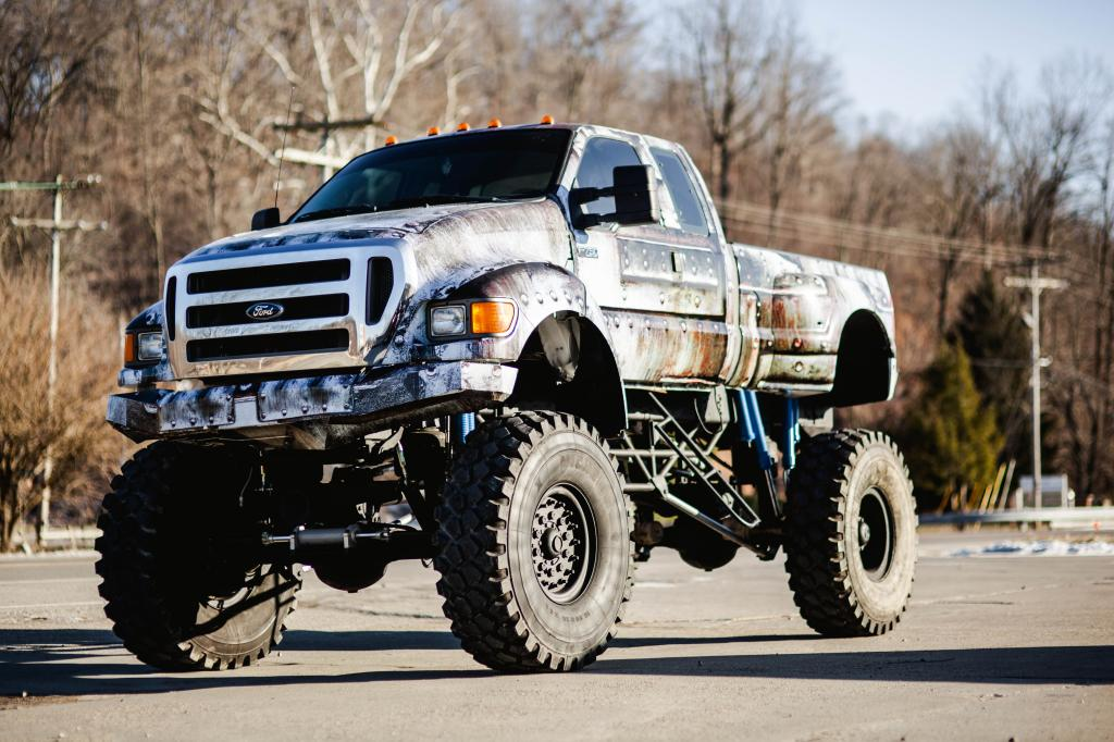 2005 Ford Custom Built 4×4 F650 Super Truck for sale