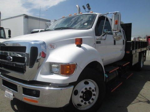 2013 Ford F650 CREW CAB 14ft Flatbed w/ Liftgate Cummins 6SP for sale