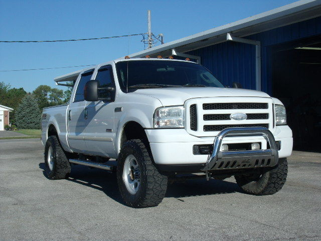 2005 Ford F 250 Super Duty FX4 Crew Cab Pickup 4 Door