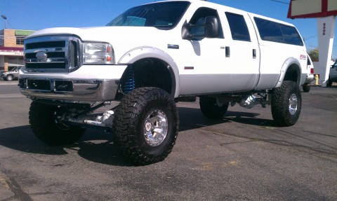 2005 Ford F 350 Super Duty Lariat Crew Cab Lifted MONSTER for sale