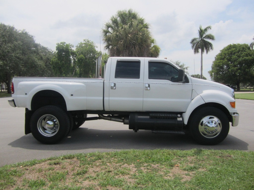2005 Ford F 550 C7 CAT WITH Allison Trani Monster Truck
