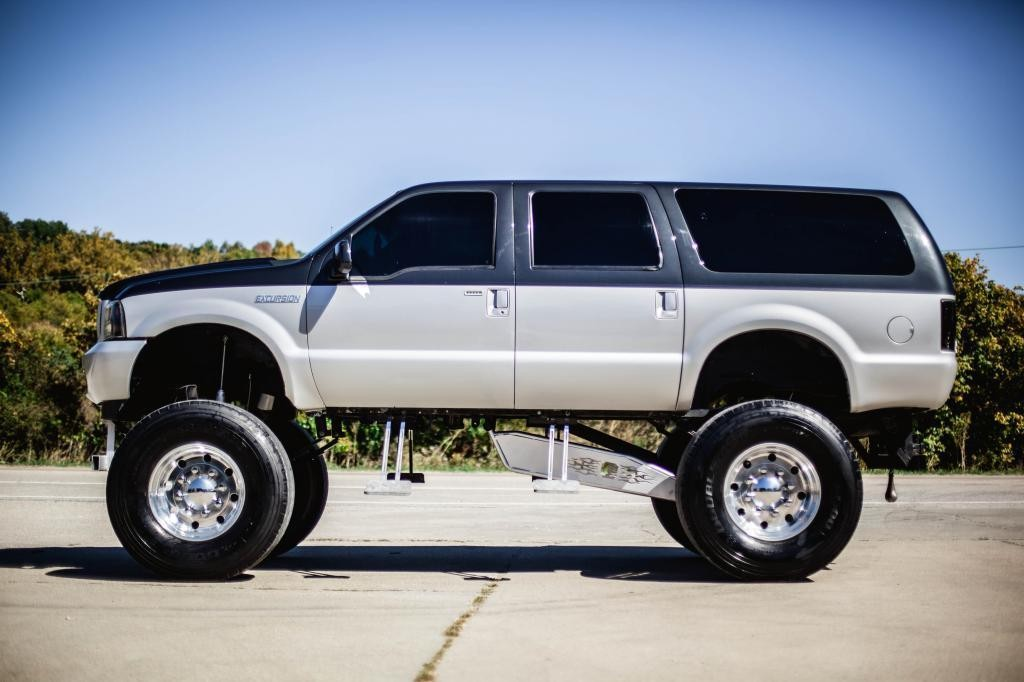 2000 Ford Excursion Monster Truck