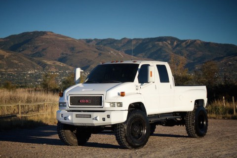 2006 GMC Kodiak Topkick C5500 4×4 Duramax Monroe Bed  Lifted  46″ Tires MONSTER! for sale