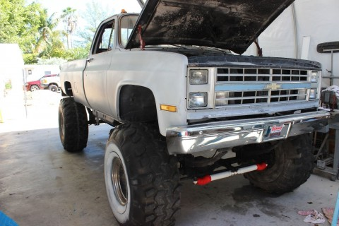Monster Truck 4X4 1985 Chevy K 20 CLASSIC for sale