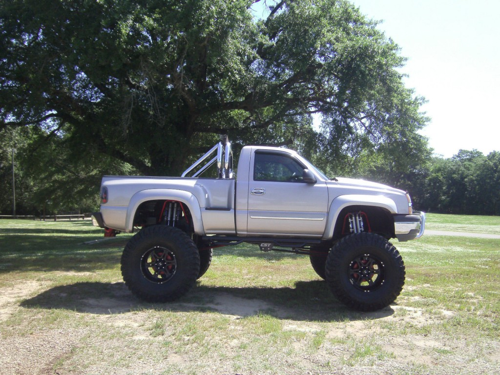 2004 chevrolet silverado 1500 reg cab 4 4 stepside monster truck for sale. Black Bedroom Furniture Sets. Home Design Ideas