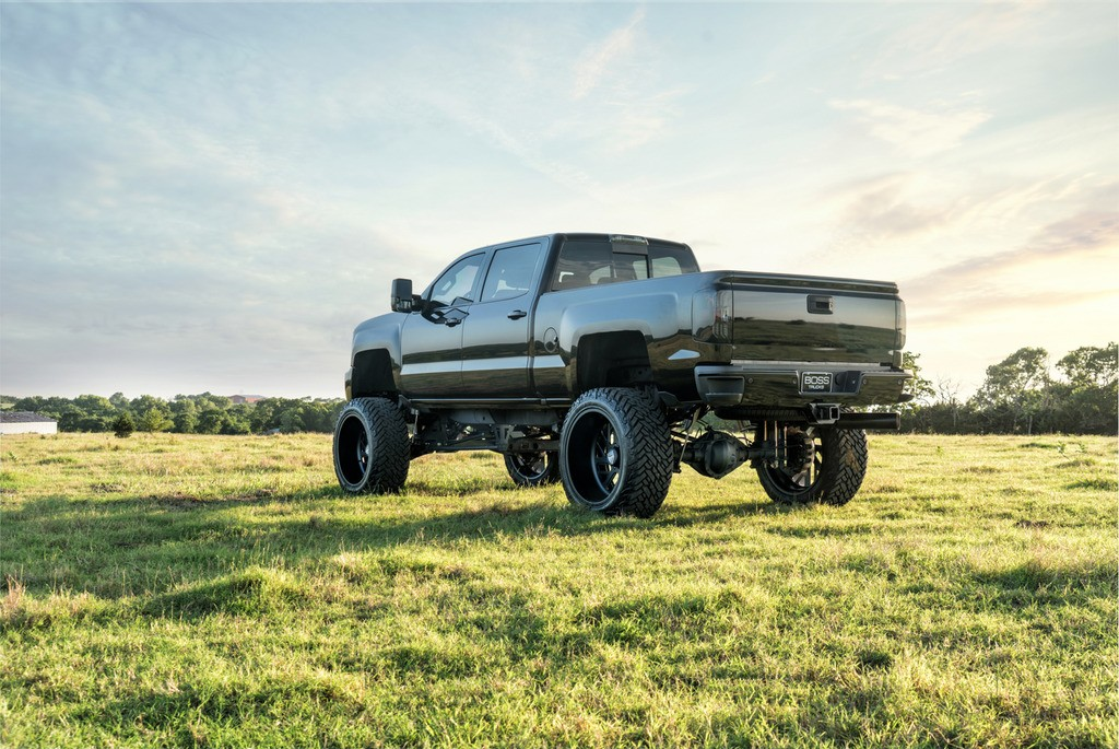 2015 Chevrolet Silverado 2500 DSL LTZ 12″ lift 4×4 Z71 Crew Cab 26″ SF Wheels for sale