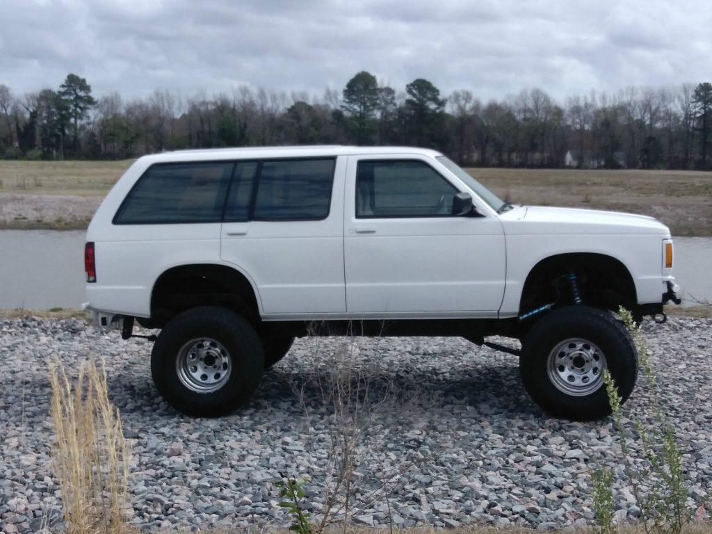 Lifted Chevrolet S Stock Monster Truck For Sale X on 1994 Chevrolet Blazer Stereo