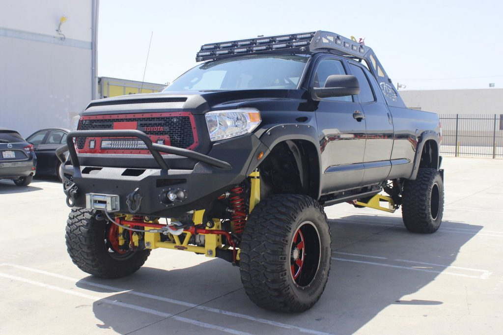 Lifted beast 2014 Toyota Tundra SR5 Extended monster for sale