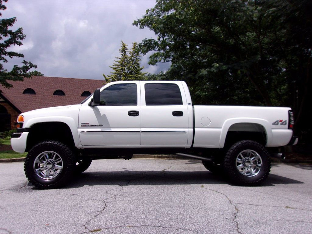 lifted 2006 GMC Sierra 2500 CREW CAB SLT monster