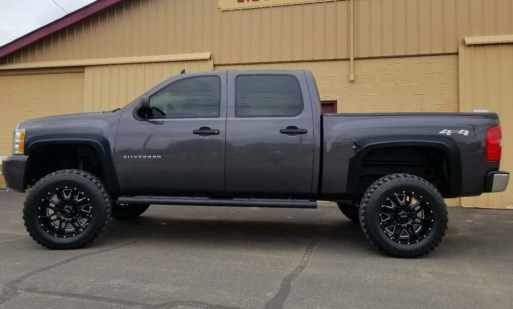 professionally built 2011 Chevrolet Silverado 1500 monster