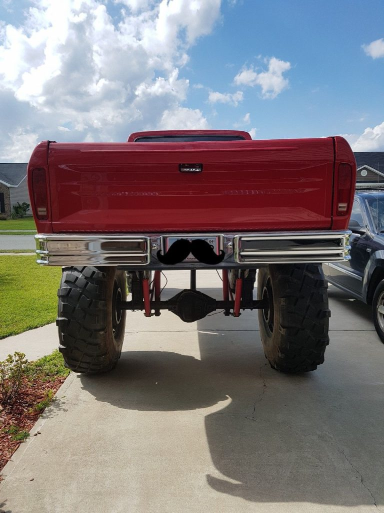 fuel injected 1977 Ford F 250 Styleside monster truck