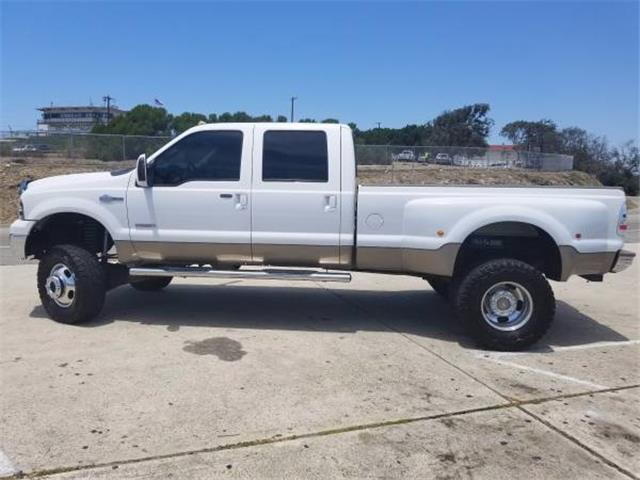 loaded 2005 Ford F 350 King Ranch monster truck