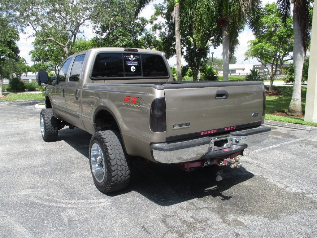 very clean 2006 Ford F 350 monster truck