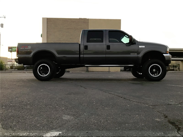 clean 2003 Ford F 250 XLT monster