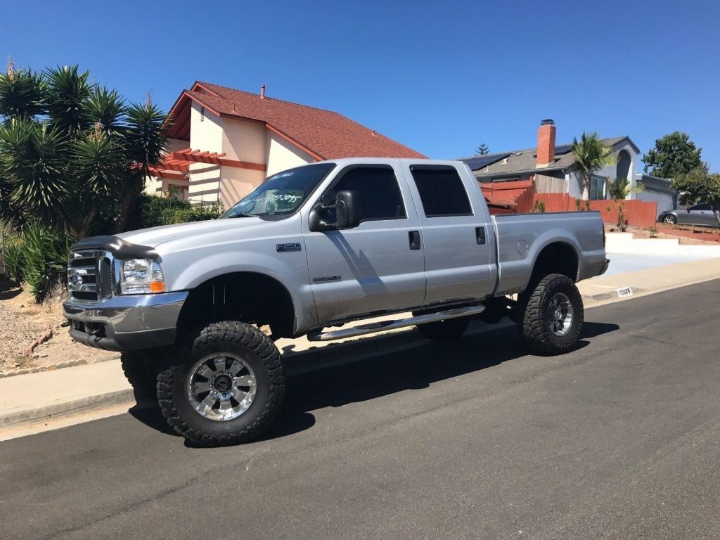 very clean 2001 Ford F 250 XLT monster truck