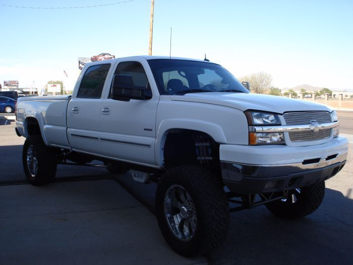 well equipped 2003 Chevrolet Silverado 2500 monster