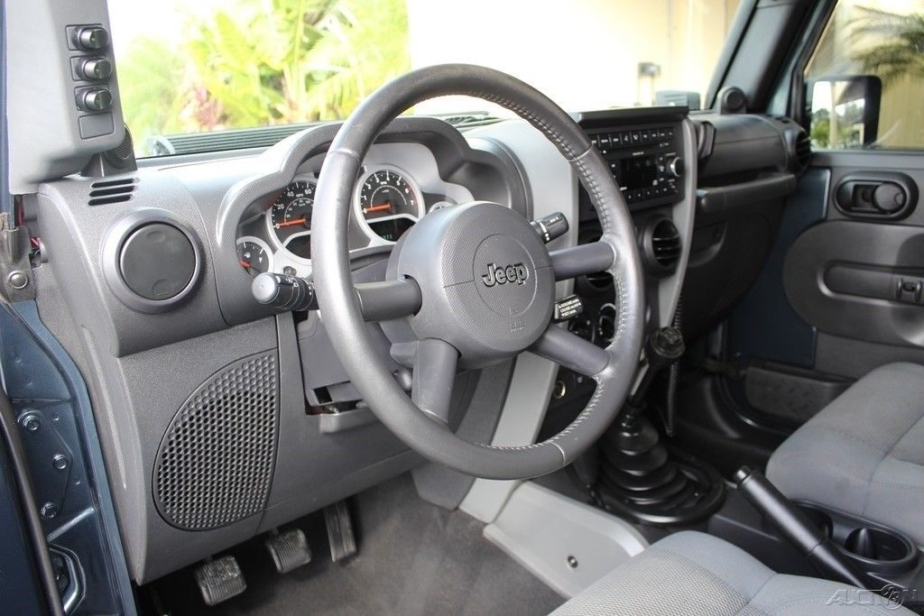 well serviced 2007 Jeep Wrangler Rubicon monster