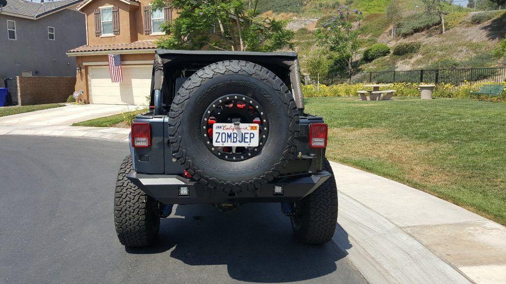 badass 2007 Jeep Wrangler Sahara monster truck