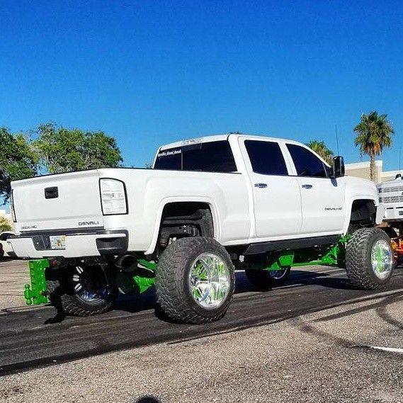 show truck 2015 GMC Sierra 2500 Denali monster