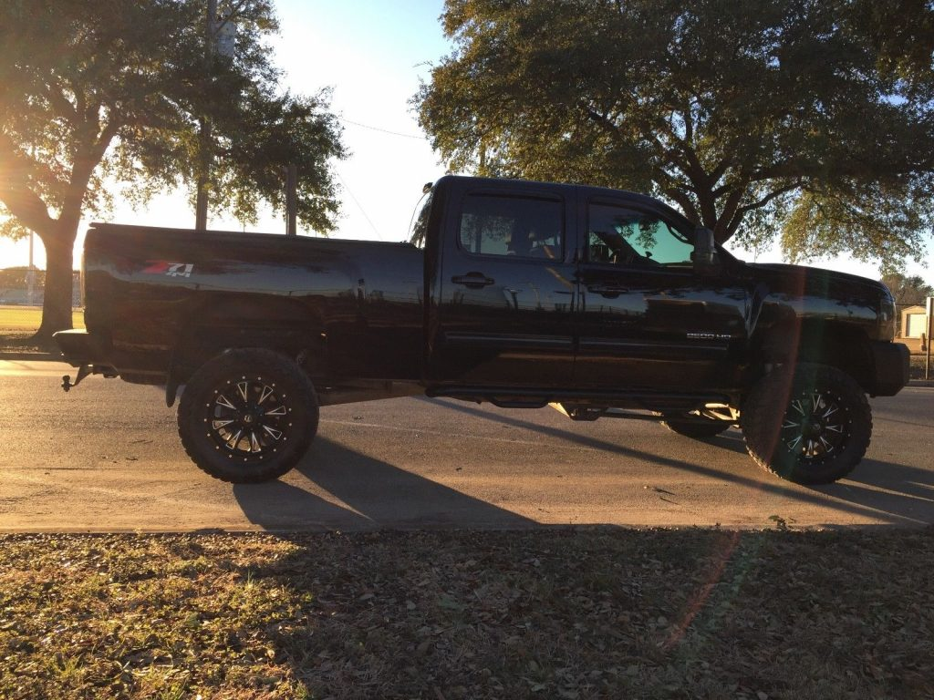 many upgrades 2011 Chevrolet Silverado 2500 LTZ monster