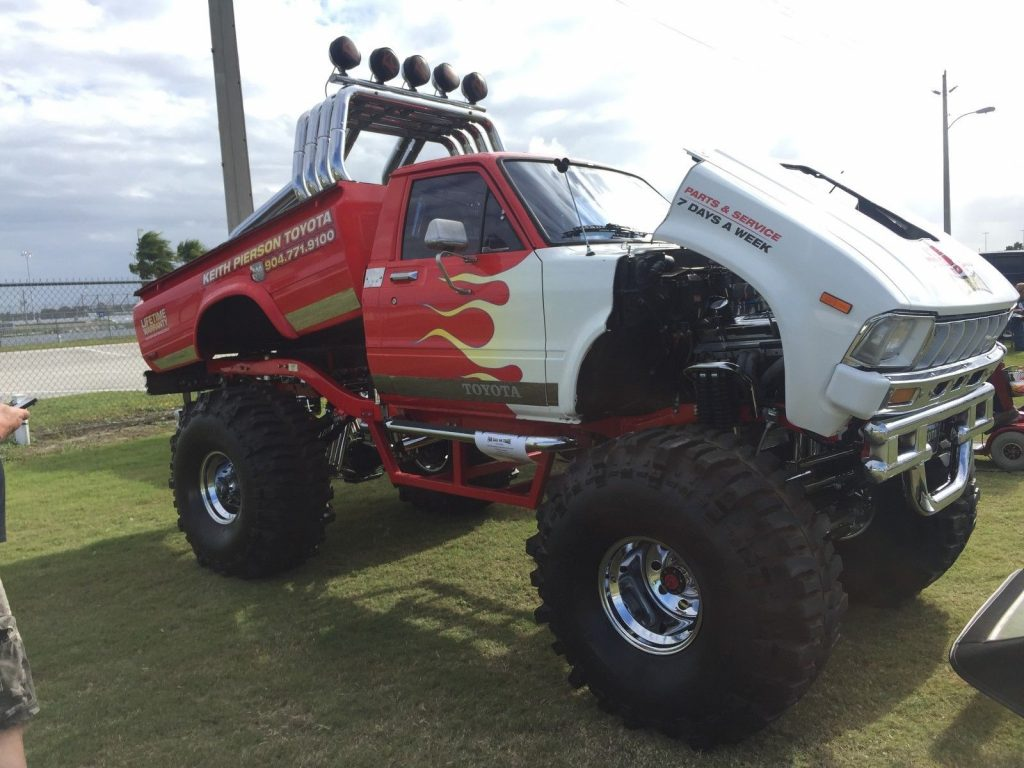 one of a kind 1983 Toyota Hilux sr5 monster truck
