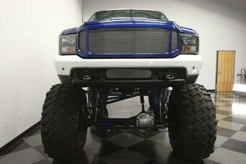 low miles 1999 Ford F 250 XLT Super Duty monster truck