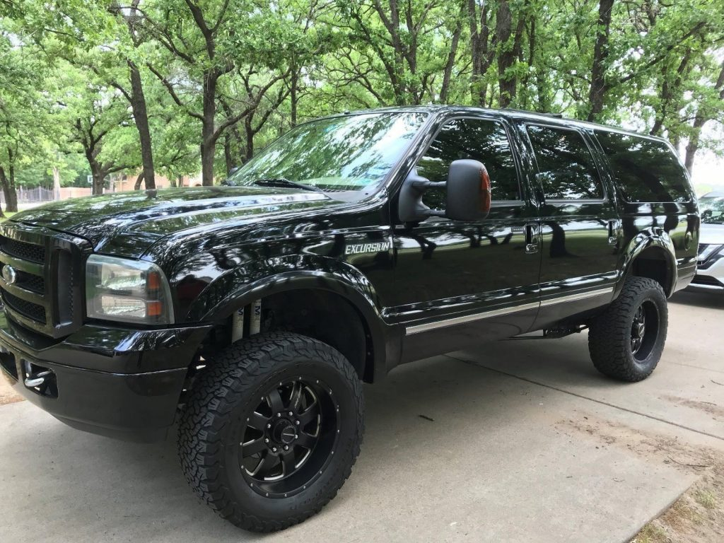2005 Ford Excursion Limited monster truck