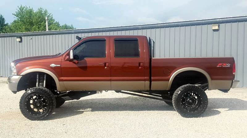 big lift 2005 Ford F 250 King Ranch monster truck