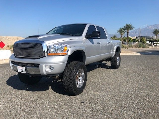 fully loaded 2006 Dodge Ram 2500 Laramie monster truck