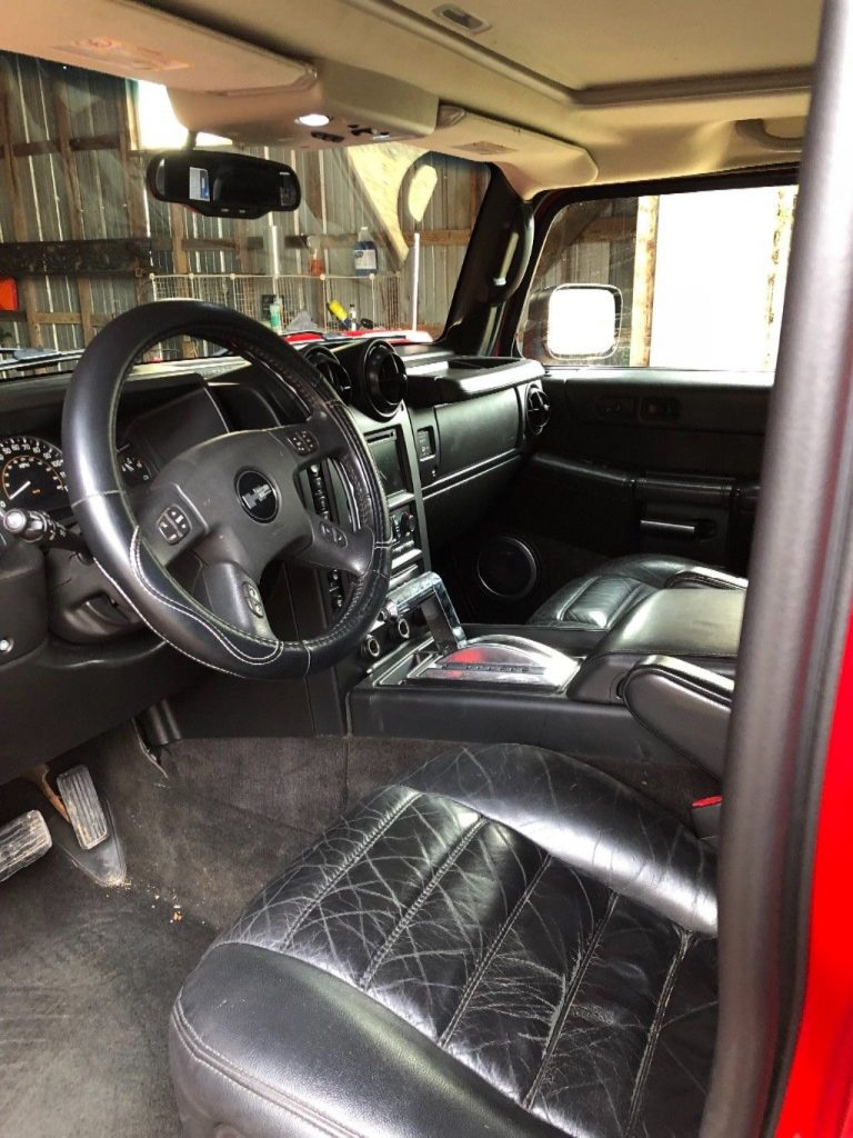 Well maintained 2005 Hummer H2 SUT monster truck
