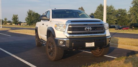 non smoker 2015 Toyota Tundra SR5 monster for sale