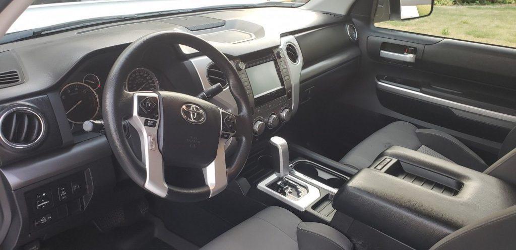 non smoker 2015 Toyota Tundra SR5 monster