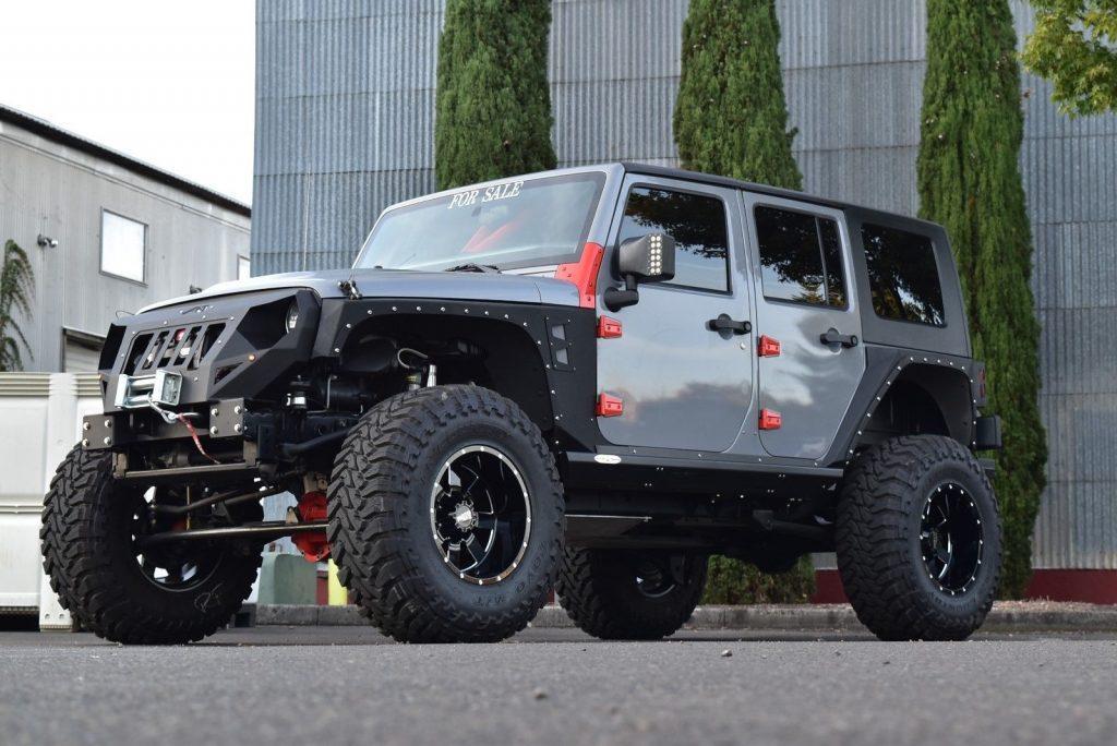 Hemi powered 2008 Jeep Wrangler Rubicon monster