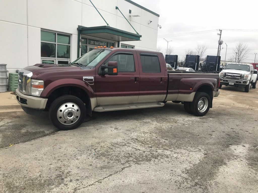 very clean 2010 Ford F 450 KING RANCH monster pickup