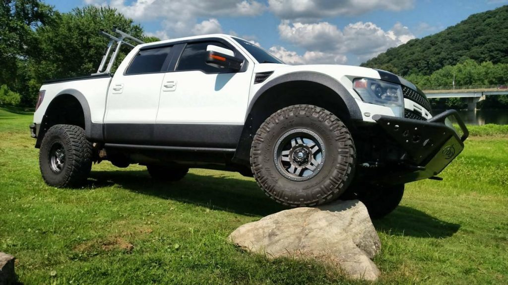 custom build 2013 Ford F 150 SVT Raptor monster truck