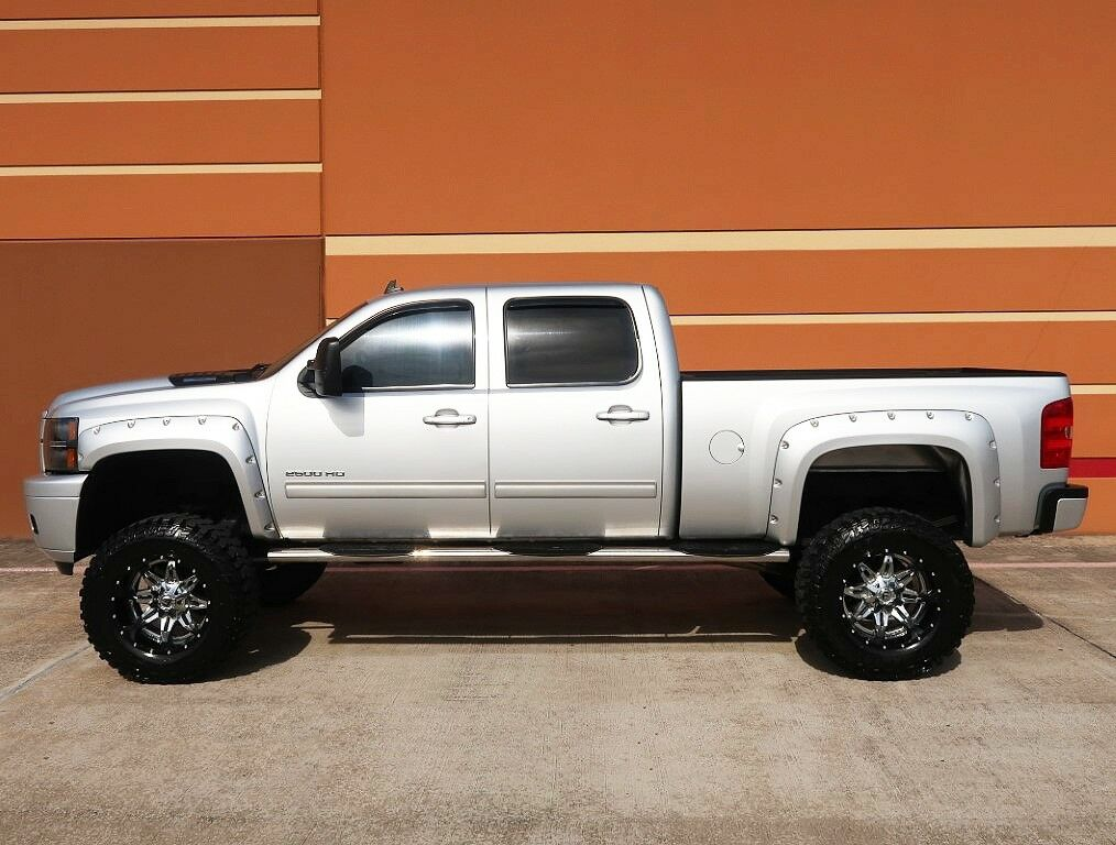 loaded 2012 Chevrolet Silverado 2500 LT monster truck