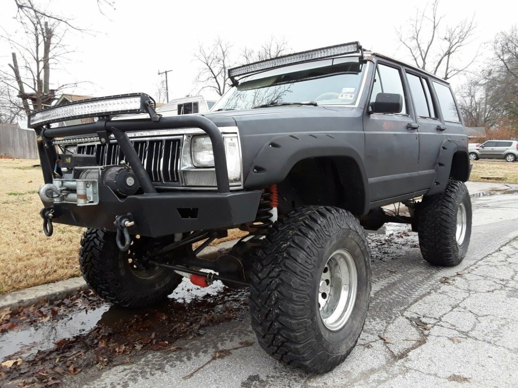 rock crawler 1990 Jeep Cherokee Laredo monster