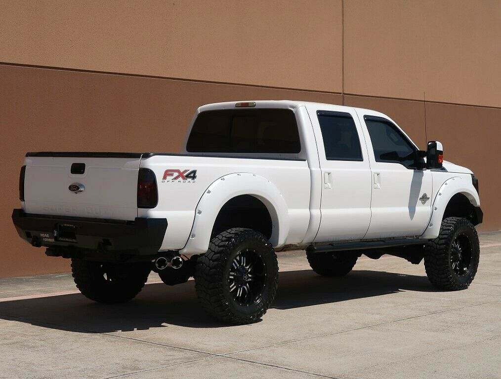 beautiful 2013 Ford F 250 Lariat monster pickup