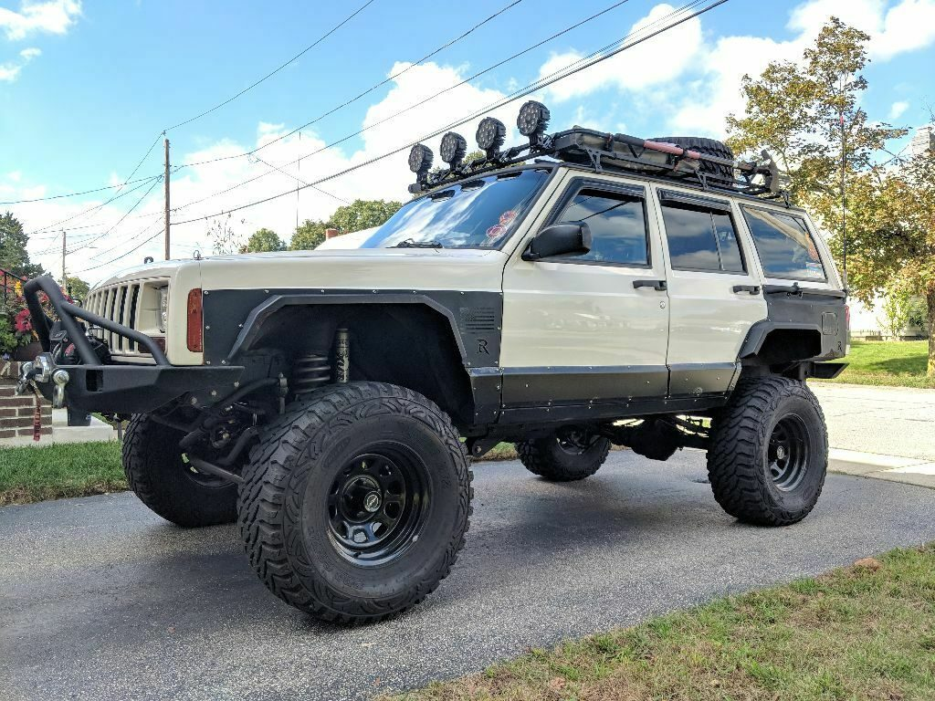 well modified 1999 Jeep Cherokee Sport/Classic monster