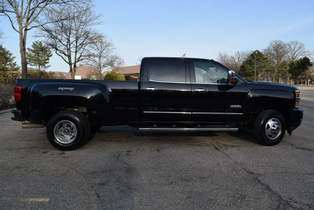 dually crew cab 2016 Chevrolet Silverado 3500 monster