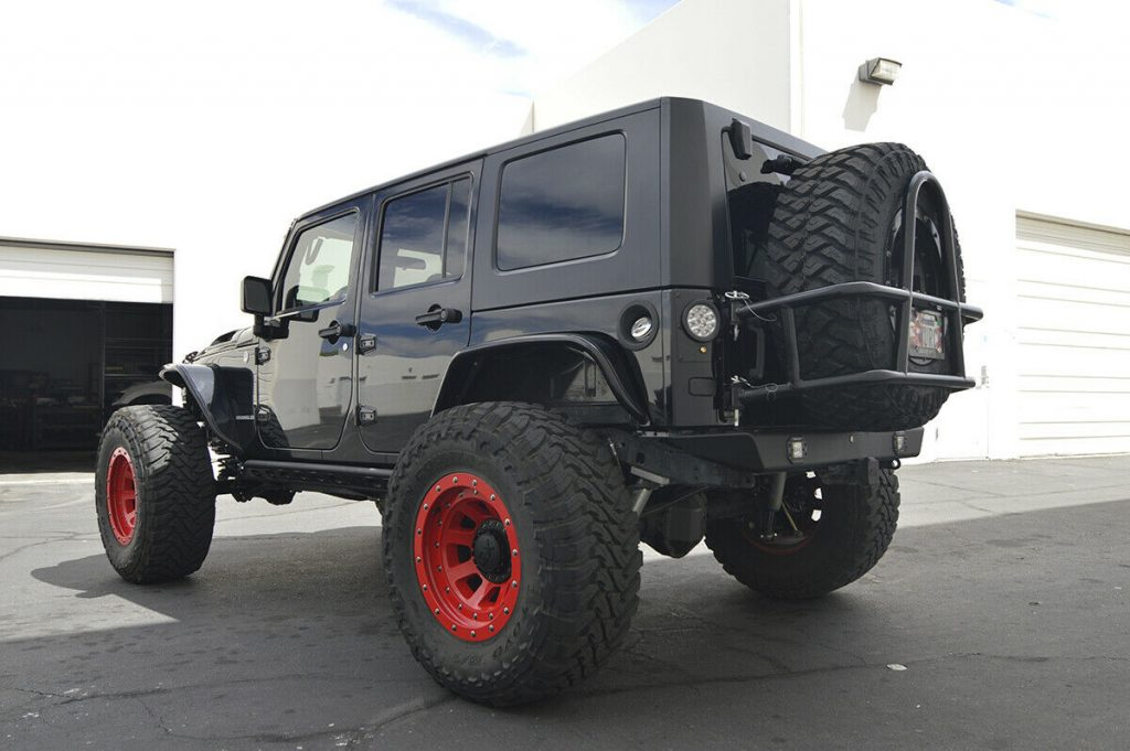 Hemi powered 2010 Jeep Wrangler Rubicon Unlimited monster