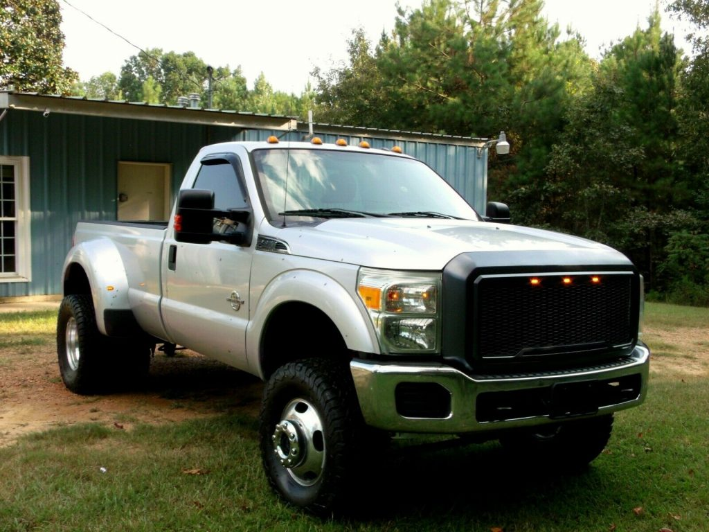 strong running 2011 Ford F 350 Super Duty monster
