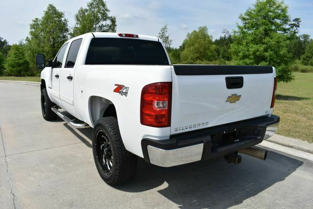 very clean 2008 Chevrolet Silverado 2500 LT w/1LT monster