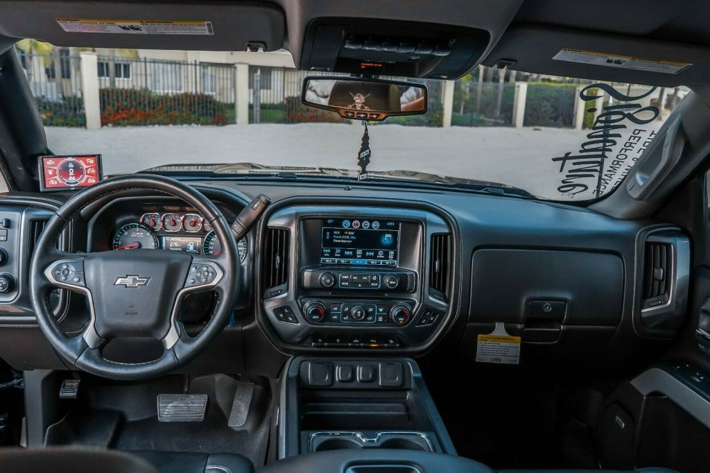 fully loaded 2017 Chevrolet Silverado 1500 LTZ Z71 Midnight Edition 6.2L monster