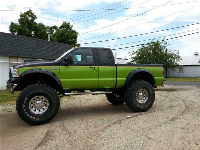 well modified 2006 Ford F 250 XL monster