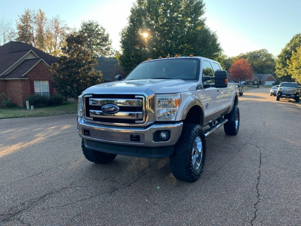 great shape 2011 Ford F 250 Lariat monster