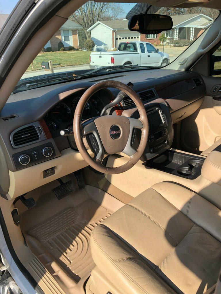 loaded 2011 GMC Sierra 3500 K3500 SLT monster