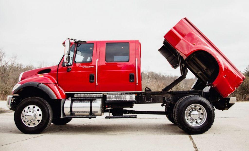 loaded show truck 2005 International CXT 4X4 monster