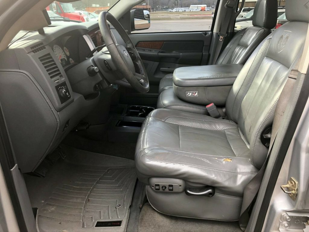 loaded 2006 Dodge Ram 3500 LARAMIE monster