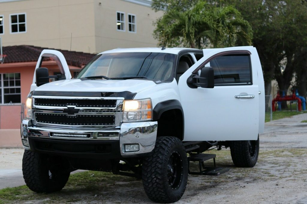 well maintained 2007 Chevrolet Silverado 2500 monster